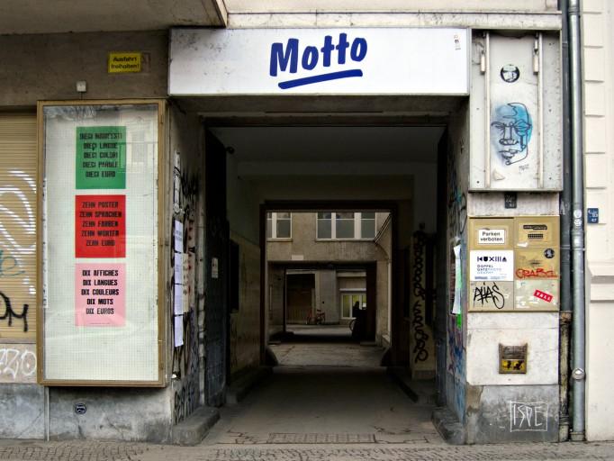 berlin-paris_jonathan_monk_motto_00531