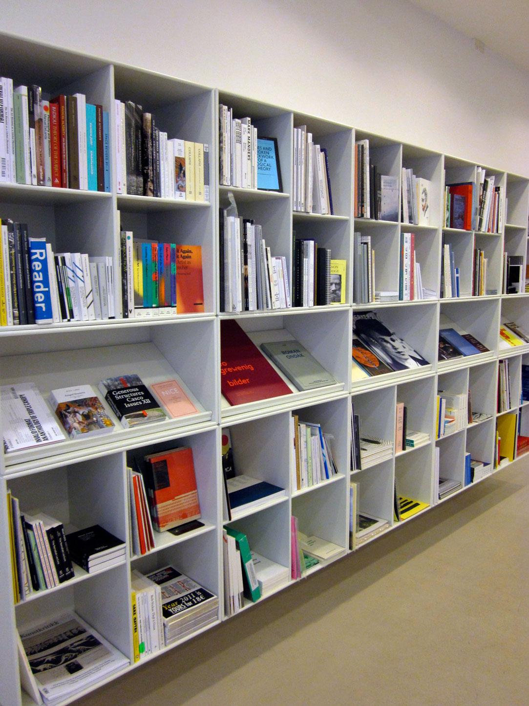 MOTTO DISTRIBUTION » Motto Charlottenborg: www.mottodistribution.com/site/?page_id=22582