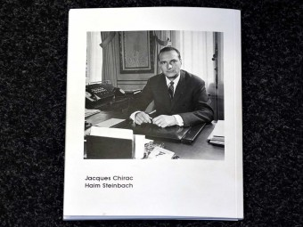 The_great_master_of_art_history_with_pictures_of_Jacques_Chirac_Haim_Steinbach_Nicolas_Giraud_Motto_Distribution_10