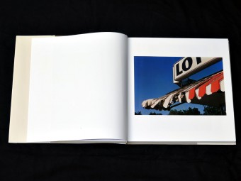 William_Eggleston_Los_Alamos_Scalo_motto_distribution_2