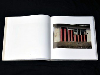 William_Eggleston_Los_Alamos_Scalo_motto_distribution_5