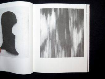 FLYKTSTRATEGIER. Rune Andersson. Moon space Books_Motto books_2017_6